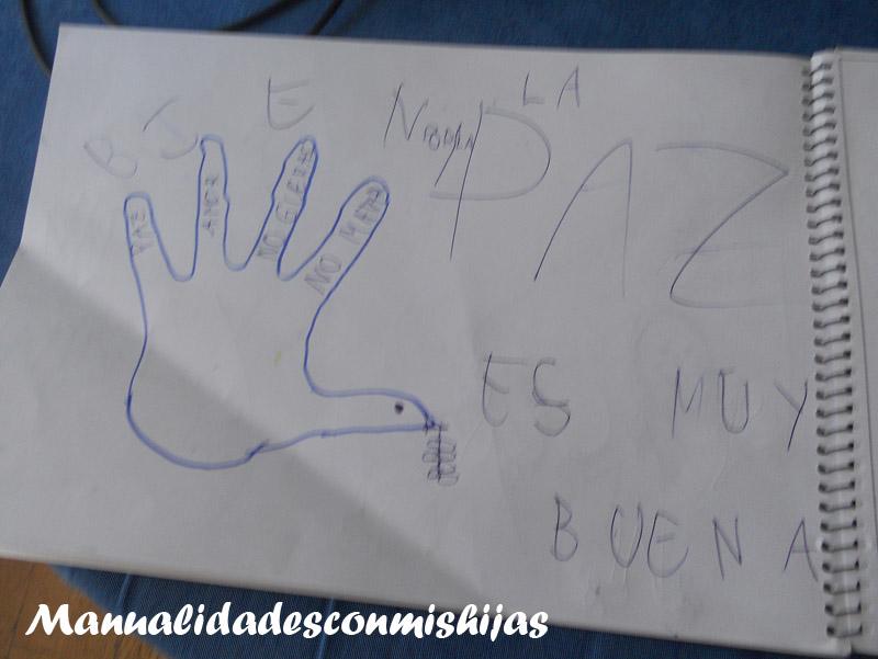 Manualidades Con Mis Hijas Paloma De La Paz Con Huella De La Mano
