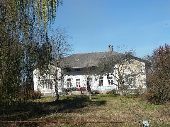Болехів, Україна. Будинок для людей похилого віку