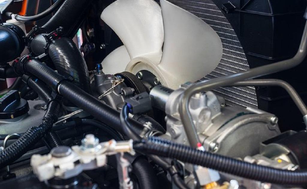 Quạt tản nhiệt xe ô tô không hoạt động là do đâu?