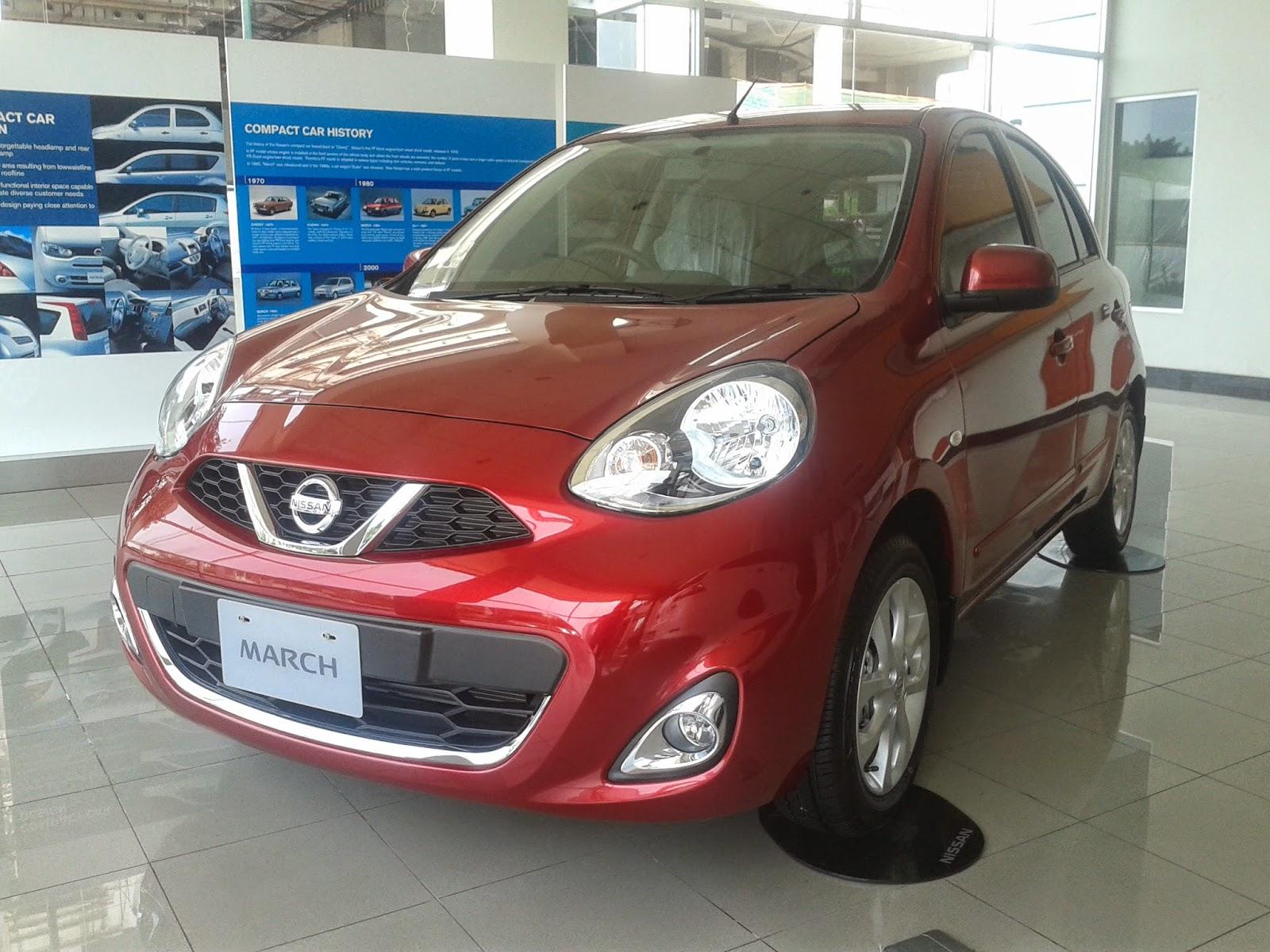 Eksterior Nissan March Merah
