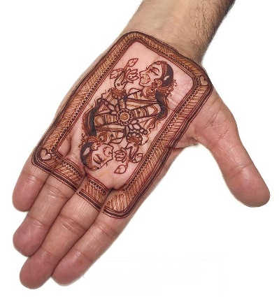 Heart Queen Mehndi Design for Front Hand