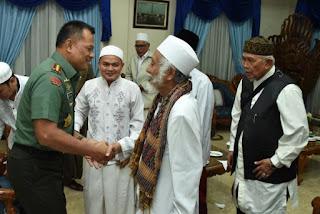 Sebarkan !! Panglima TNI : Berbahaya ! Indonesia Dirusak Para Politikus yang Dikendalikan Negara Asing - Commando