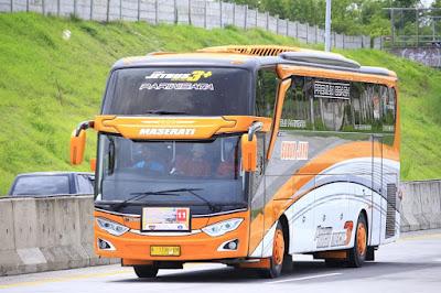 Bus Subur Jaya Maserati