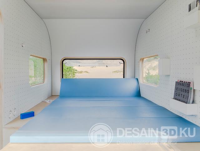 Sebuah Mobil Yang Unik Untuk Tempat Tidur dan Ruang Kantor