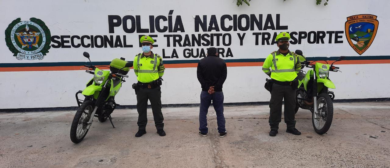 https://www.notasrosas.com/Seccional de Tránsito y Transporte detiene a una mujer con municiones, y a un hombre con Licencia Falsa