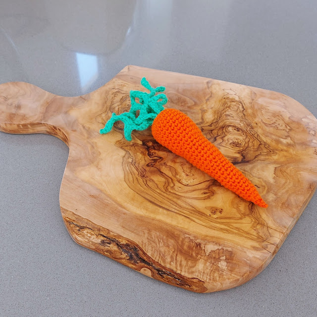 Make a cute and easy crochet carrot, play food for your child!