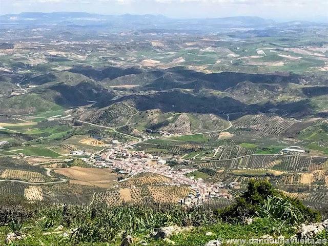 Vista de Algámitas desde el Terril