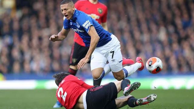 Video Everton 1-1 MU: Tuyệt phẩm Bruno Fernandes, nghẹt thở phút 90+2