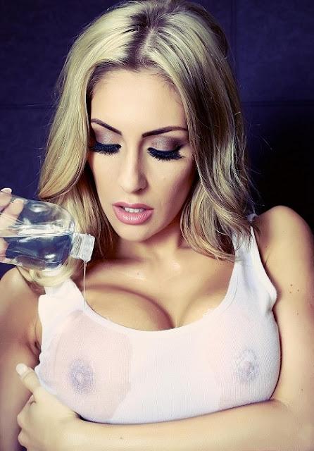 Ashley Emma big boobs pics