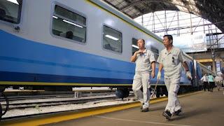 No pasa el tren a Tucumán: ponen micros pero no para Rosario
