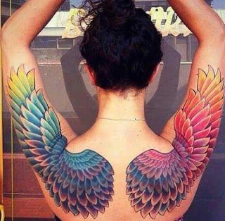 Tatuajes de alas : Tatuaje de alas coloridas
