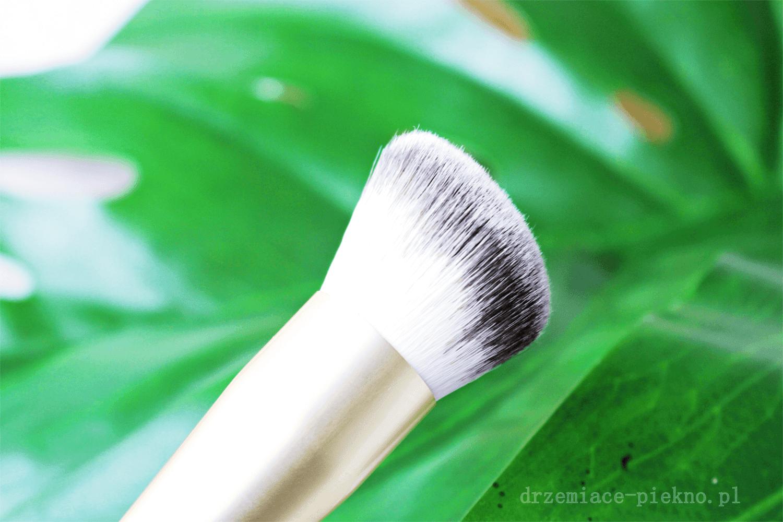 Pędzle do makijażu PuroBio - skośny pędzel do konturowania nr. 11 PuroBio