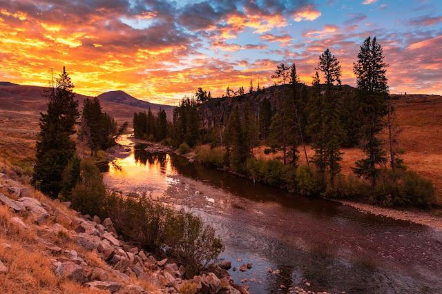 sunrise over lamar river