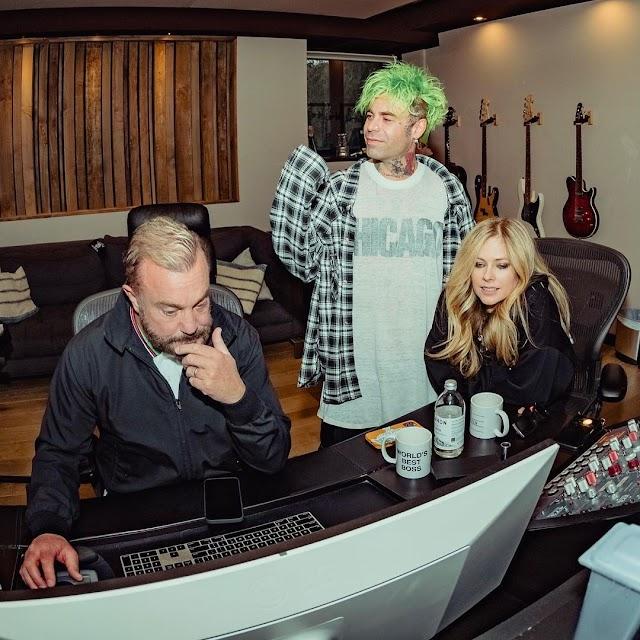 Avril Lavigne volverá a sus raíces Pop Punk con un nuevo álbum en 2021