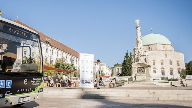 Fél órán át díjmentes lesz a parkolás Pécs legnagyobb övezetében