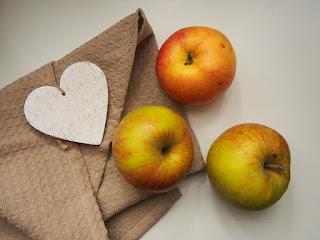 Manzanas a la carta en la cocina de la abuela