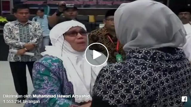 [VIDEO] Sudah Diberi Gelang Haji, Tiba-tiba Bapak Ini Tak Bisa Berangkat, Istrinya Menangis Histeris