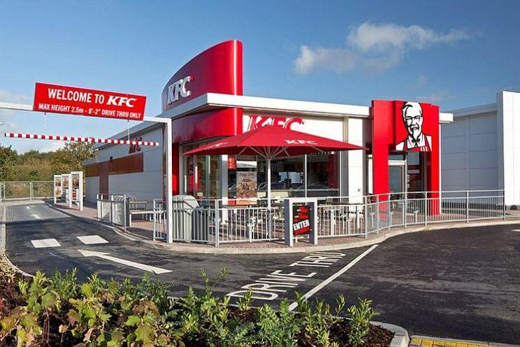 """""""Masacrul verde de pe Calea Marasesti"""" s-a produs pentru a face loc unui restaurant KFC de tip Drive Thru!"""