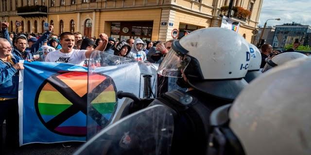 INCENDIATA UNA CASA LGBT NELLA CATTOLICISSIMA POLONIA