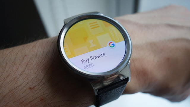 Latest Android Wear's Developer Preview 2 Opens Gestures