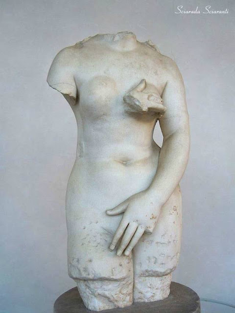 Afrodite Pudica in marmo bianco - Terme di Diocleziano Roma
