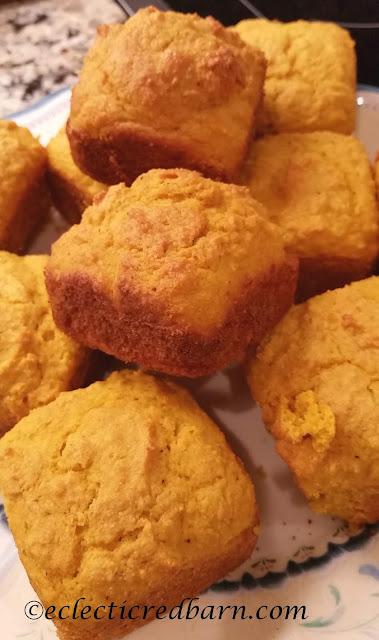 Pumpkin Cornbread Muffins. Share NOW. #muffins #pumpkin #eclecticredbarn