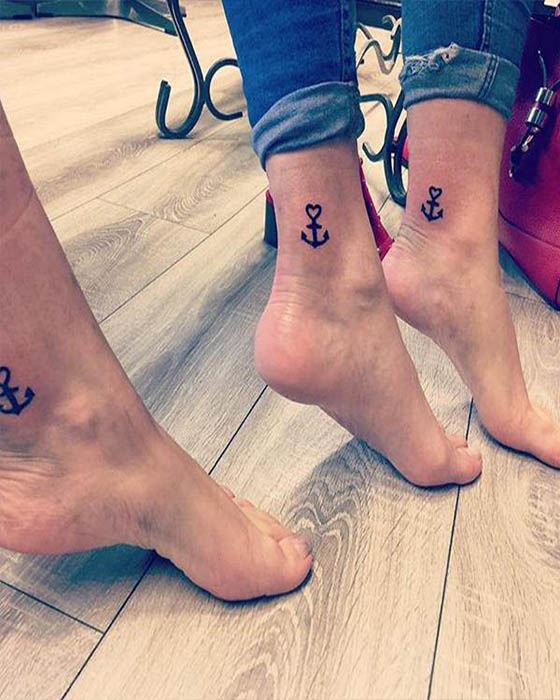 tatuaje tobillo ancla