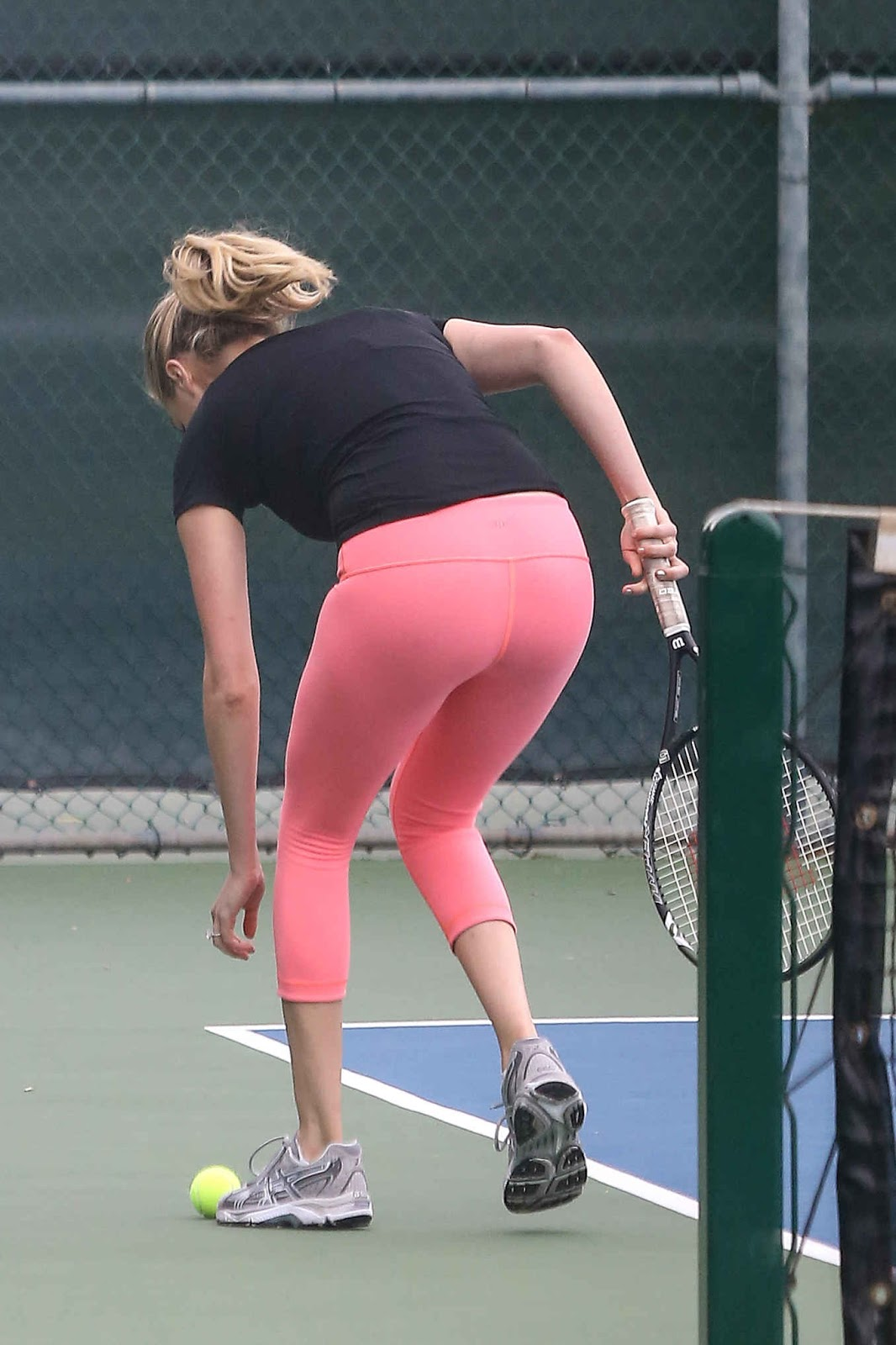Kate Upton Booty in Tight