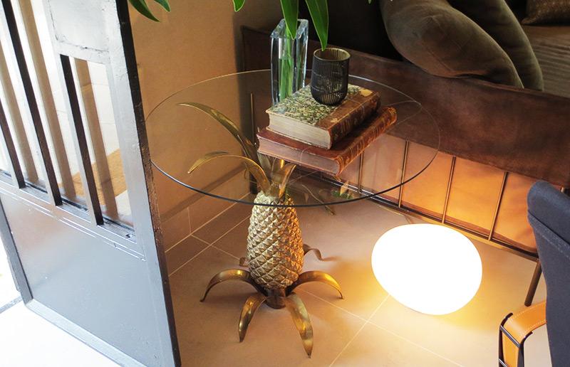 Como não amar uma mesa de abacaxi?????