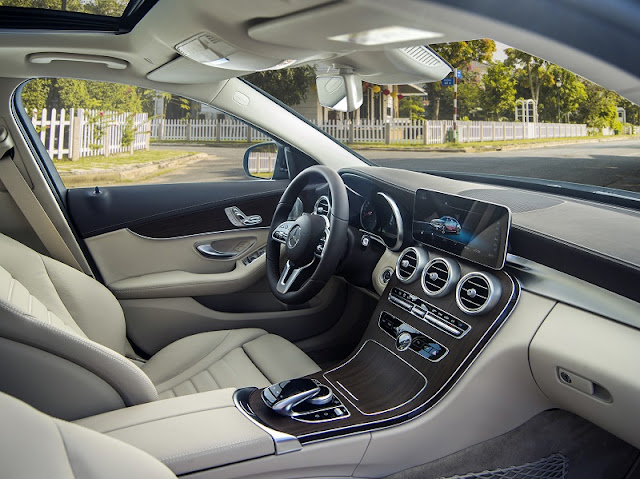 Đánh giá Mercedes C200 Exclusive 2021