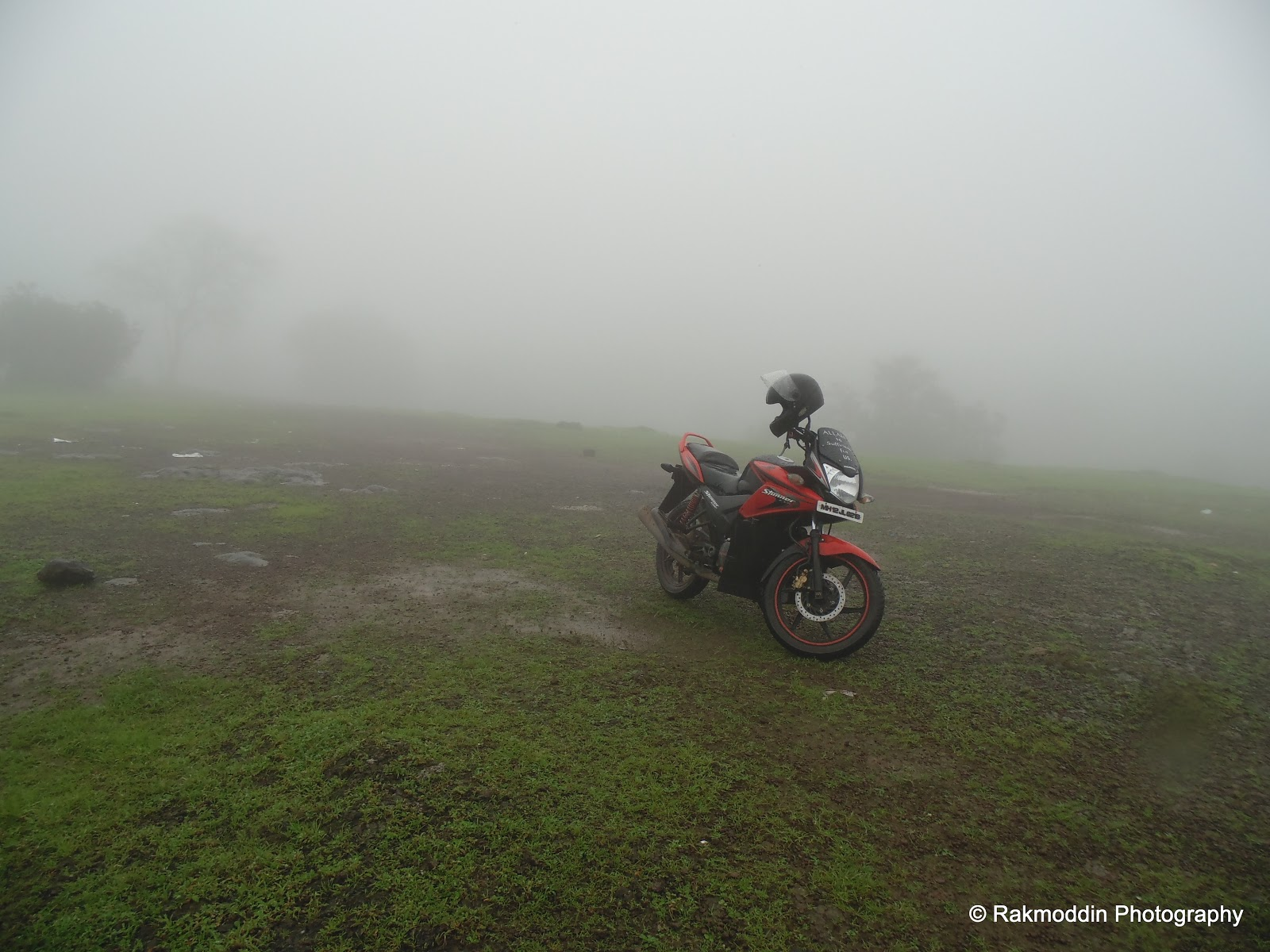 Monsoon bike ride to misty Madhe Ghat