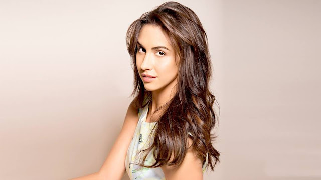 Lauren-Gottlieb-HD-Wallpapers