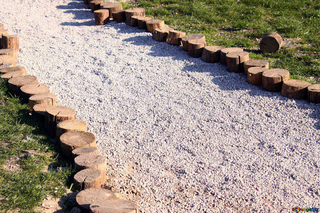 rock-garden-paths-gravel-path-curve-1765