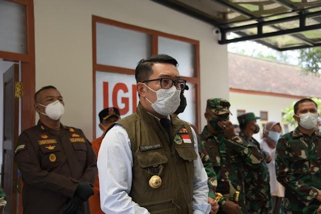 Gubernur Jabar  didampingi Pangdam III/Slw Tinjau Rumah Sakit Darurat COVID-19 di Secapa AD di Bandung