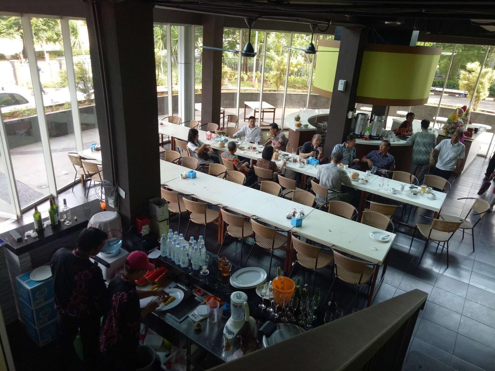 Restoran Dekat Puri Mansion