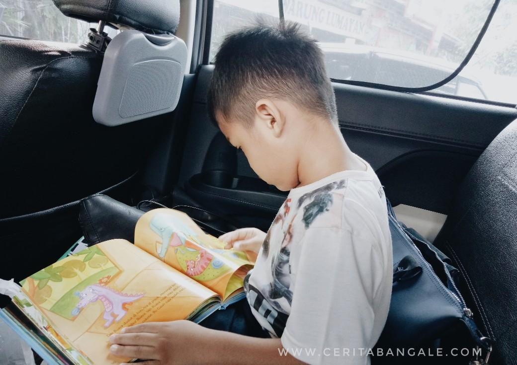cara agar anak suka baca buku
