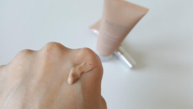 Note Cosmetics Mineral Serisi Fondoten ve Kapatıcı