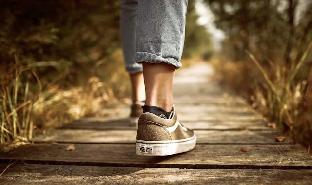 Sepatu Anda Kekecilan? Ini Dia Trik Bikin Sepatu Custom Jadi Pas Di Kaki