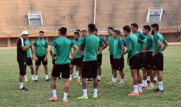 تشان: الفريق الوطني من اللاعبين المحليين في التدريب الداخلي مدعوم من قبل لاعبين من هالهودزيك. القائمة الكاملة
