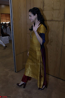 Dia Mirza Attends Power Women Seminar To Celete Womens Day 048.JPG