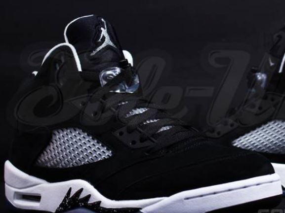 a56ccde80f81 Here is new images of the 2013 Air Jordan 5 Oreo V Sneaker I am hearing is  releasing on Black Friday