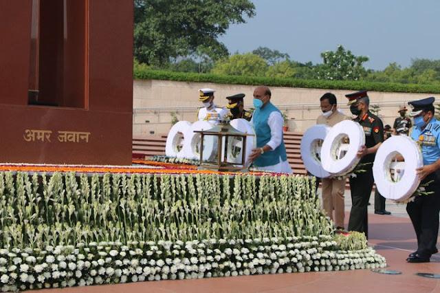 Kargil Vijay Diwas: कारगिल विजय दिवस पर रक्षा मंत्री राजनाथ सिंह, गृह मंत्री अमित शाह ने वीर शहीदों को श्रद्धांजलि दी