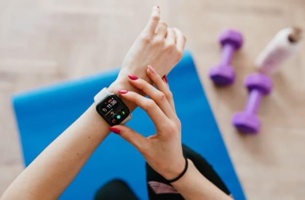 أفضل اجهزة لتتبع اللياقة البدنية جودة عالية بديلة لاجهزة Fitbit