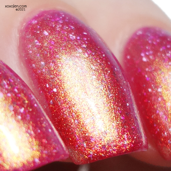 xoxoJen's swatch of KBShimmer Pitcher This