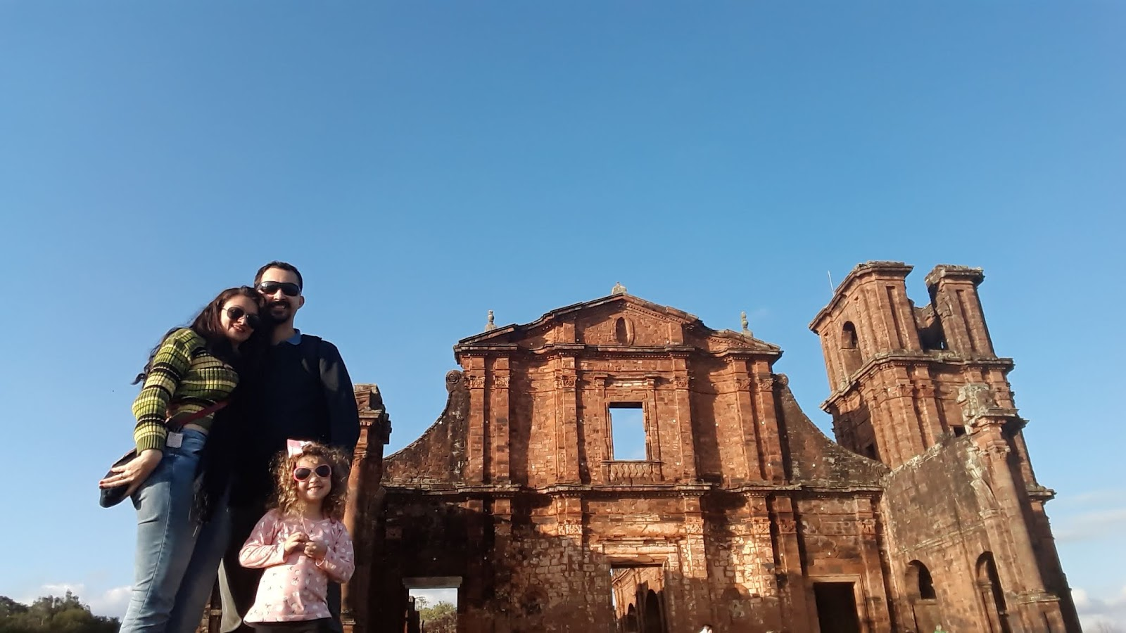 Ruínas da fachada principal da Igreja de São Miguel das Missões