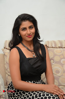 Actress Kruthika Jayakumar Pictures at Rojulu Maarayi Movie Interview  0017.JPG
