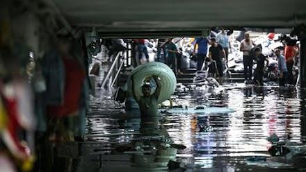 Ένας νεκρός από την ισχυρή βροχόπτωση στην Κωνσταντινούπολη - Πλημμύρισε το Μεγάλο Παζάρι - ΦΩΤΟ