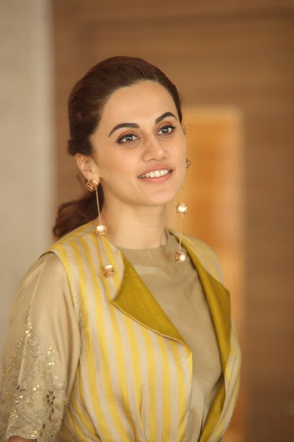 Taapsee Pannu Bollywood Actress Latest Stills Actress Trend