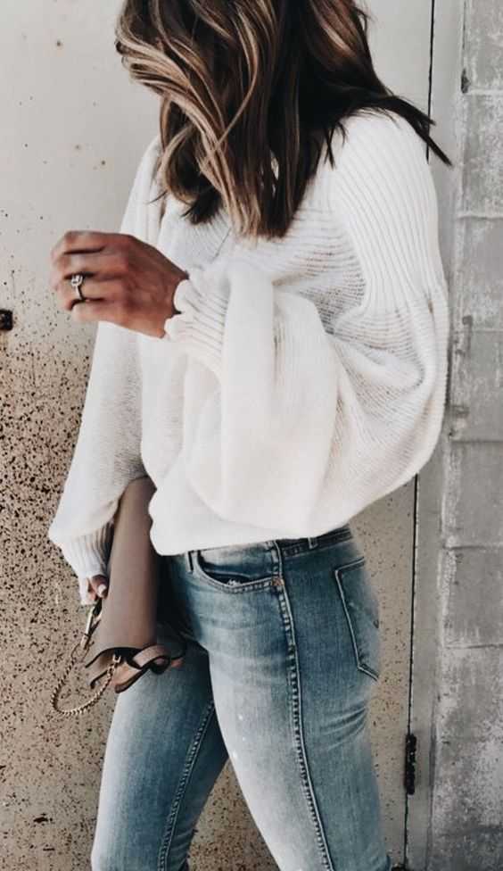 white sweater + bag + skinny jeans