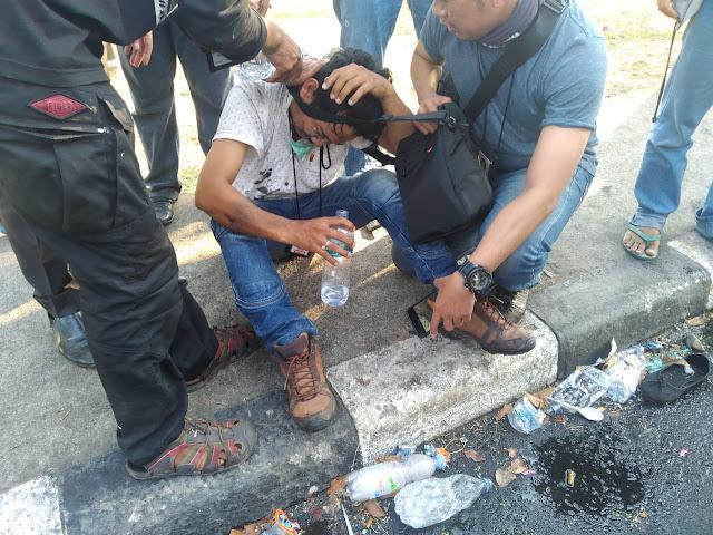 Tegur Polisi Represif ke Mahasiswa, Jurnalis Malah Dipukuli